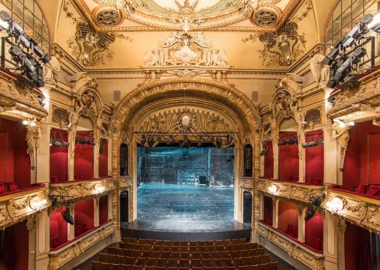 Das Theater Am Schiffbauerdamm Berliner Ensemble
